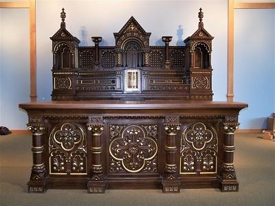 altar refinishing, sanctuary furniture refinishing, sanctuary furniture